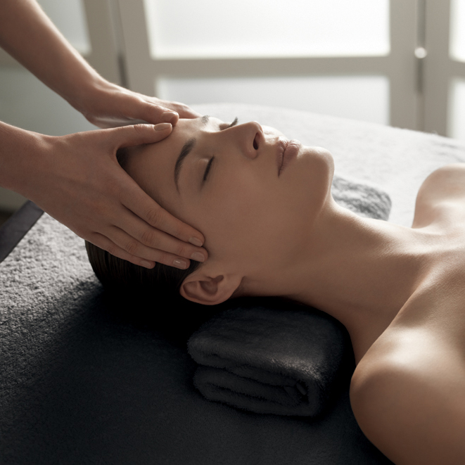 ansiktsbehandling-massage